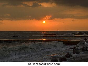 zachód słońca, morski brzeg