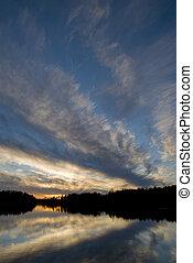 zachód słońca, na, północny, jezioro