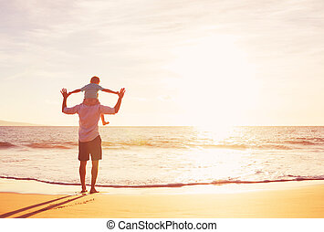 zachód słońca plaża, ojciec, interpretacja, syn