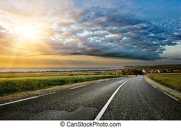 zachód słońca, przybrzeżna droga