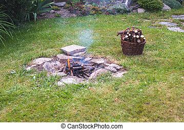 zahrada, oheň, tábor