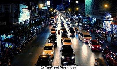 zajęty, droga, przez, miasto, w nocy