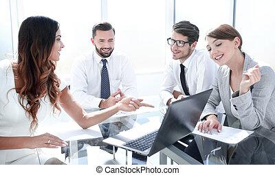 zakelijk, financieel, team, data., analyzing