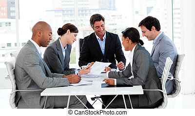 zakelijk, groep, het tonen, etnische verscheidenheid, in, een, vergadering