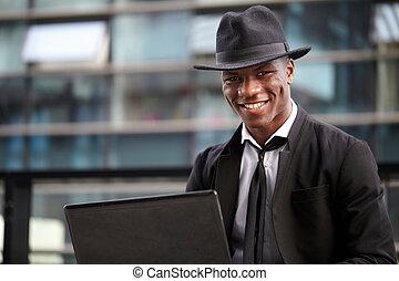 zakelijk, werkende , laptop computer, buitenshuis, man
