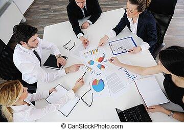 zakenlui, in, een, vergadering, op, kantoor