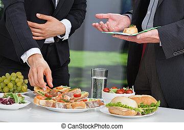 zakenlui, op, etentje, buffet