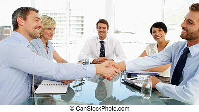zakenlui, schuddende handen, durin
