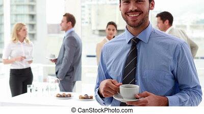 zakenman, drinkt, een, koffie