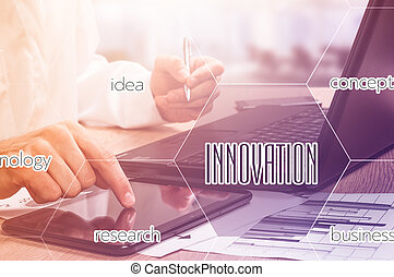zakenman, hand, werkende , met, moderne technologie, en, digitale , laag, effect, als, handel strategie, concept