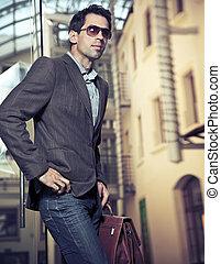 zakenman, het poseren, jonge, mooi