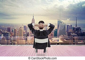 zakenman, kijken naar, stad