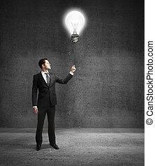 zakenman, lamp