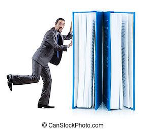 zakenman, met, boekjes , op wit