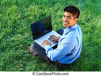 zakenman, met, draagbare computer