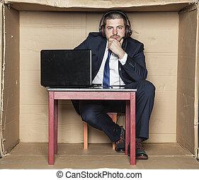 zakenman, nadenkend, kantoor, zittende