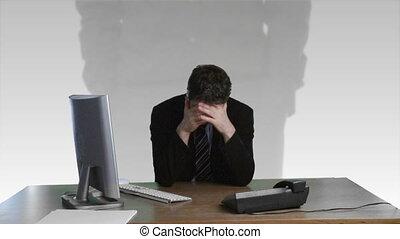 zakenman, over, gefrustreerde, financieel, beschadigen