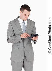 zakenman, rekenmachine, werkende , verticaal