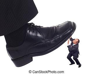 zakenman, verpletteren, schoen