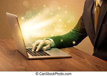 zakenman, werkende , vasten, op, draagbare computer