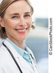 zamknięcie, uśmiechnięta kobieta, do góry, doktor