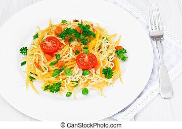 zanahorias, ensalada, cereza, calabaza, guisantes, tibio, pastas, tomates