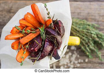zanahorias, remolachas, asado