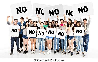 zangado, jovem, grupo, mostrando, não, billboard