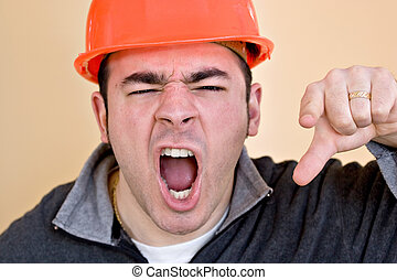 zangado, trabalhador construção