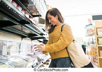 zaopatrywać, kobieta, kupno, wielka ilość, jadło, sklep spożywczy