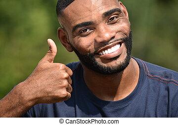 zarośnięty, samiec, czarnoskóry, do góry, kciuki