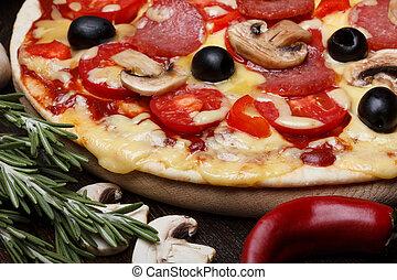zatkać się, pizza