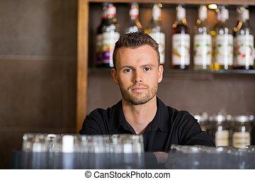 zaufany, samiec, kelner, na, kawiarnia