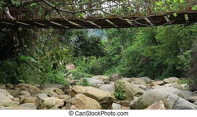 zawieszenie, hiking, drewniany most