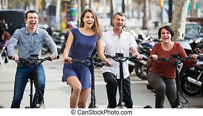 zawieszenie, pary, rowery, na wolnym powietrzu, dojrzały, młody