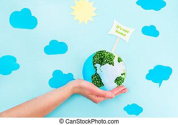 zbawczy, collage, clouds., papier, ziemia, samica, nasz, kiełbiki, wskazówka, twój, błękitny, to jest, concept., dzierżawa, tło, siła robocza, siła robocza, dom, planeta, zielony, słońce, wzór