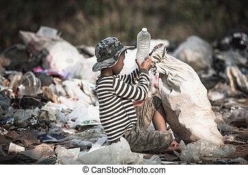 zbieranie, dzieci, odpadki, biedny chłopiec, pojęcie, ...