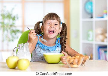 zdrowe jadło, koźlę, jedzenie, dom