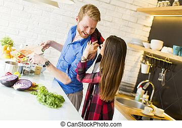 zdrowe jadło, para, przygotowując, kochający