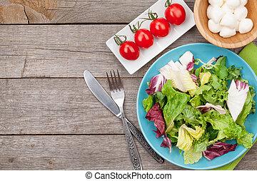 zdrowy, świeża mozzarella, sałata, pomidory