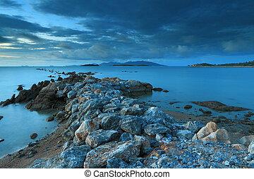zeezicht, met, fantastisch, steenbrug, eiland
