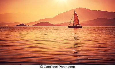 zeilboot, in, mooi, ondergaande zon , licht