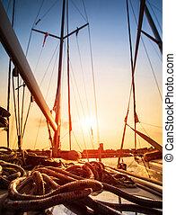 zeilboot, in, ondergaande zon , licht