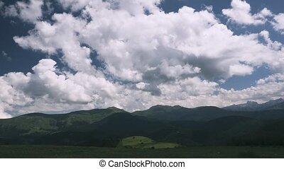 zeit- versehen, bergig, landschaften, in, der, pyrenäen, spanien, -, eingestuft, version