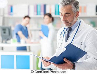 zeker, arts, controleren, medische verslagen