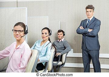 zeker, zakenman status, door, team, in, calldesk