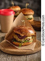 zelfgemaakt, sappig, smakelijk, hamburger, met, rundvlees,...