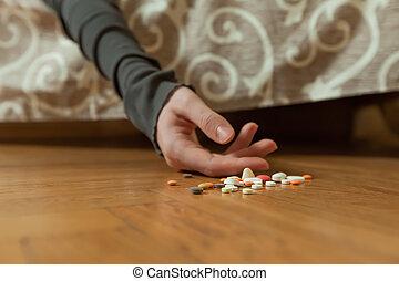zelfmoord, overdosing, terneergeslagen, drugs, begaan, man