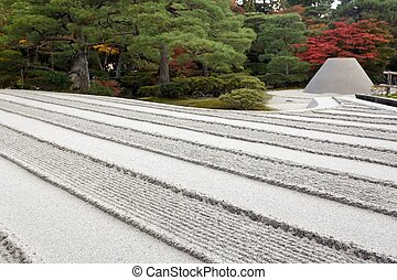 zen garden sand pattern - Ginshadan sand pattern...