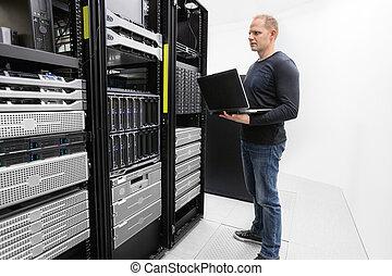 zentrieren, berater, ihm, server, daten, monitor
